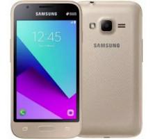Смартфон Samsung J106 Galaxy J1